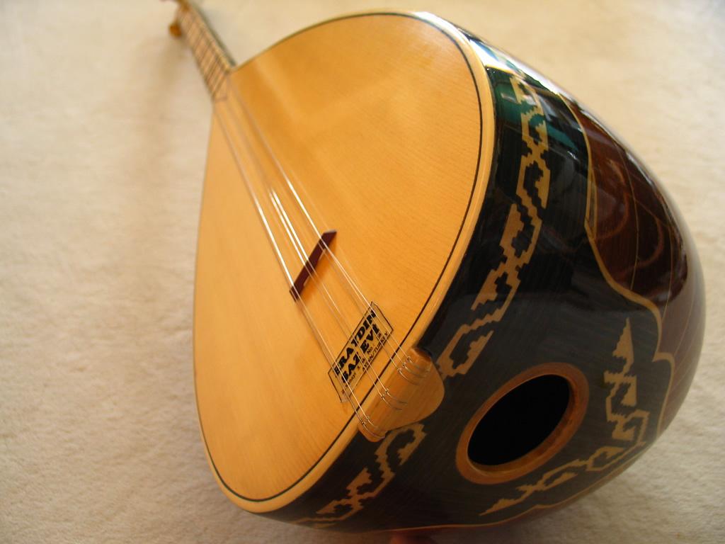 инструмент саз